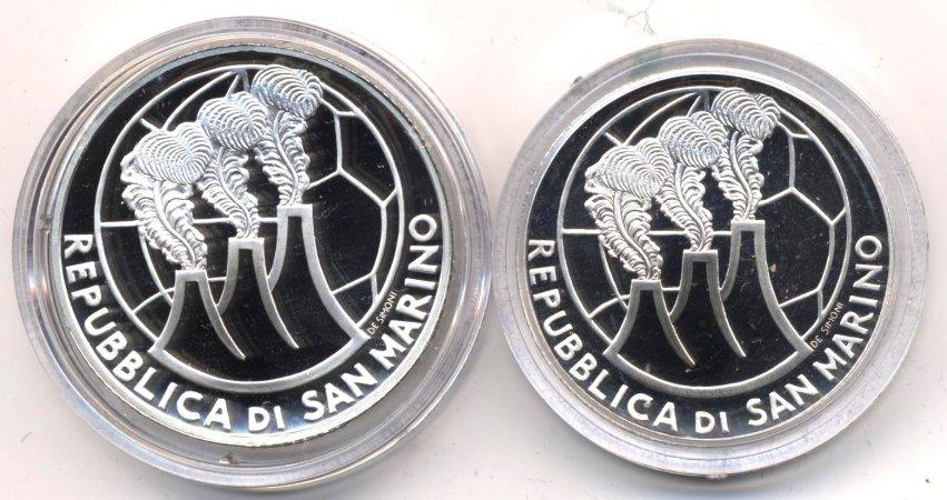 САН-МАРИНО 2004 Набор из 2 монет: 5 и 10 евро. Чемпионат мира по футболу 2006. В футляре с сертификатом от магазина Пруф